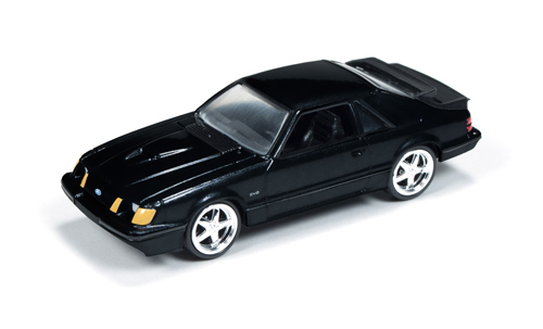 auto-world-aw64051b-1984-ford-mustang-svo-gloss-black-1-64
